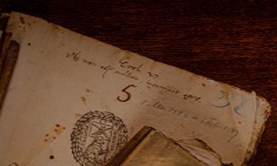 Vele handen indexeert de Amsterdamse Notarissen